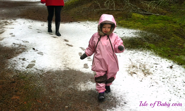 0bcc38cd481652 Tuffo Muddy Buddy Rain Suit Review - Isle of Baby